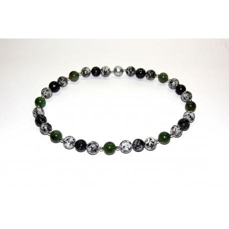 Granitkette mit Jade und Silberteilen
