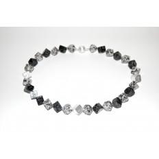 Granitwürfelkette mit Silberteilen