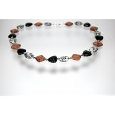 Granitkette verschiedene Schliffformen und Silberzwischenteilen